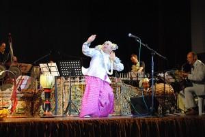 burma tänzer und orchester klein